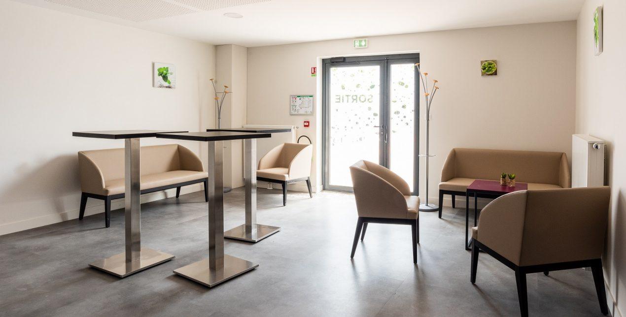 Salon de convivialité - Crématorium de Bourg-en-Bresse - La Société des Crématoriums de France